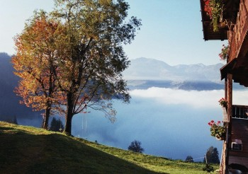 Hiking-in-autumn-in-the-Kitzbueheler-Alpen